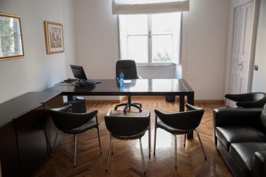 A1 premium 8 persone uffici in affitto roma for Uffici in affitto roma